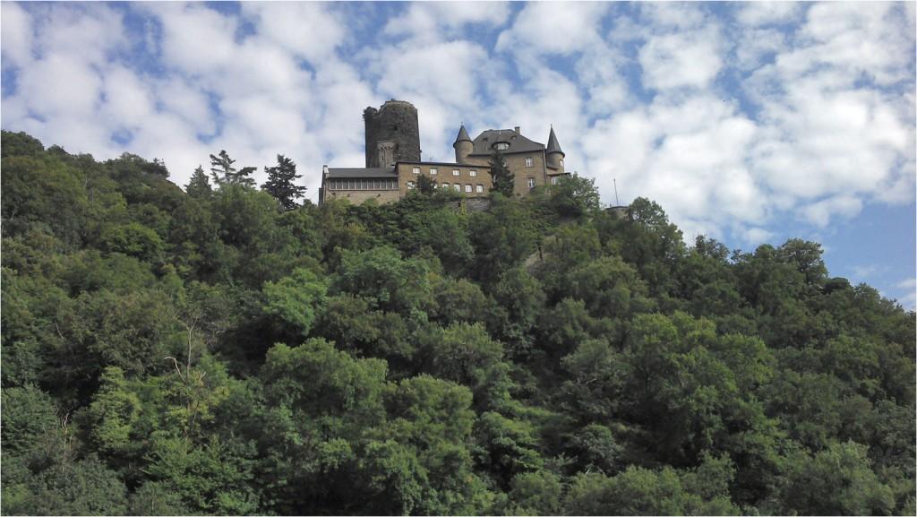Burg Katz (?) - von dort oben kommen wir, jetzt geht es weiter rauf