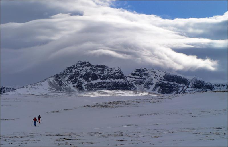 Wolkenspiele über Rondanes Höchsten