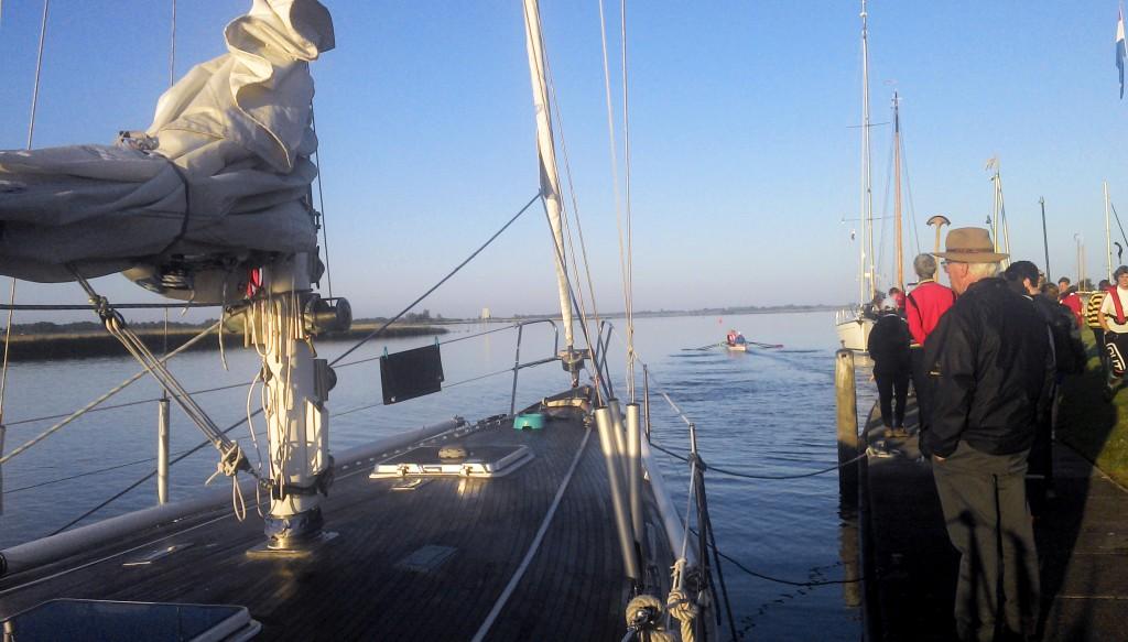 mitten in Friesland kurz nach Sonnenaufgang