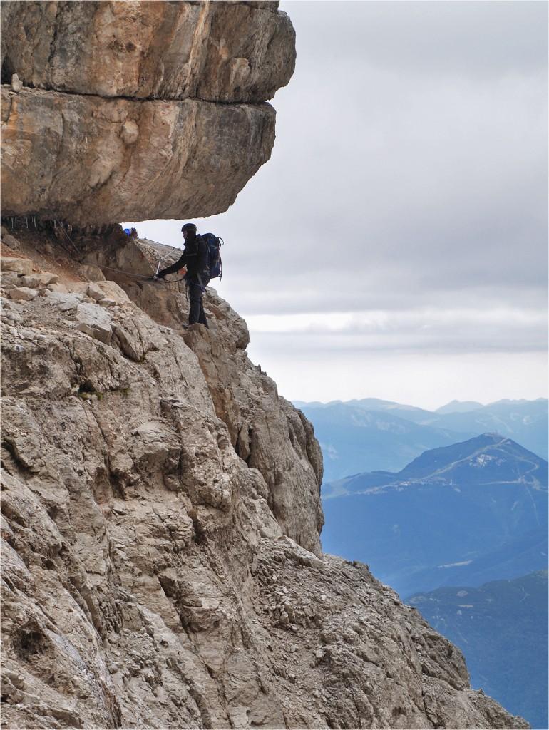 bestens gesichert im steilen Gelände
