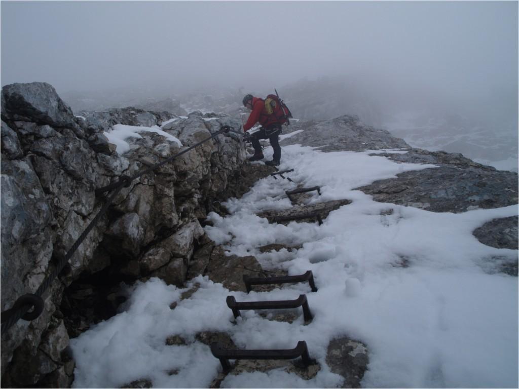 bei rutschigem Schneematsch im unteren Bereich war die Sicherung nicht verkehrt