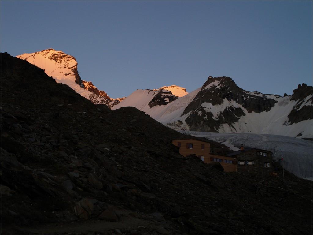 Domhütte und das letzte Sonnenlicht