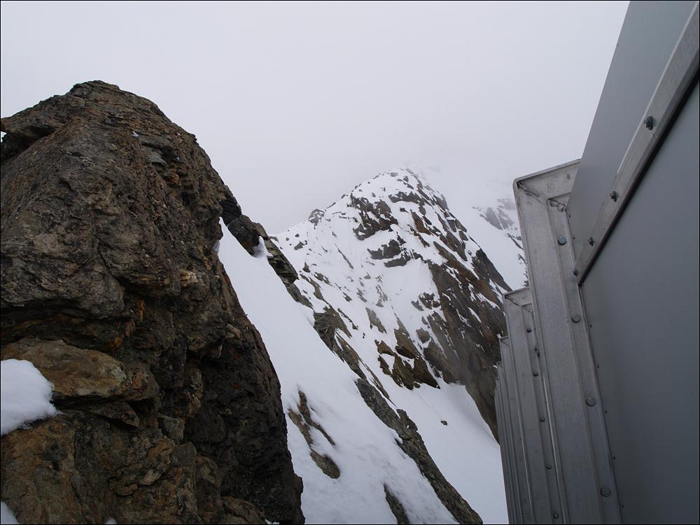 Alphubel-Nordgrat, Beginn direkt hinter der Tür