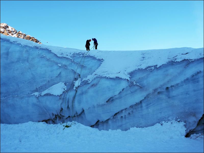 Klettern im eingestürtzten Gletschertor