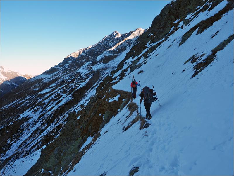 Abstieg von der Braunschweiger Hütte über den E5 - im Winter sportlich