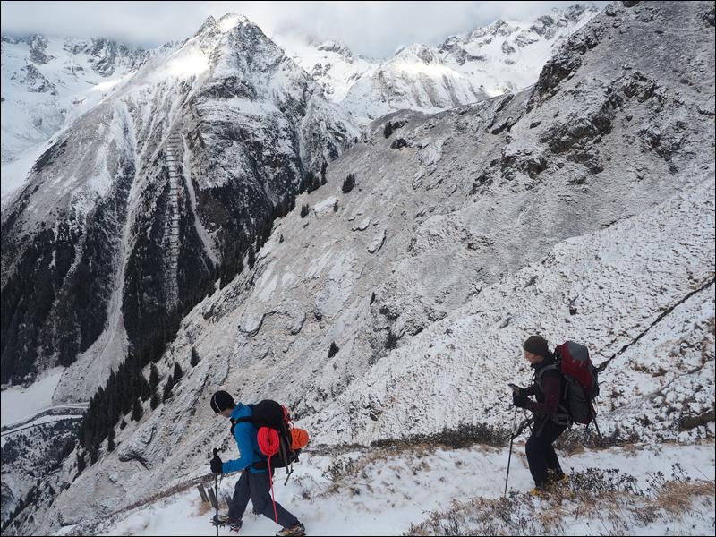 Abstieg von der Rüsselsheimer Hütte am 1.1.16